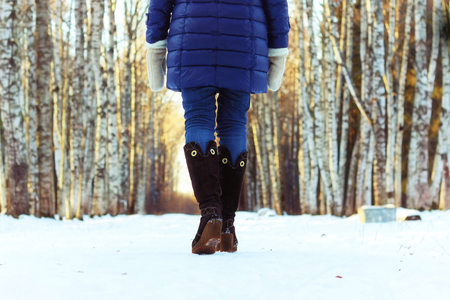 stylish-women-snow-boots