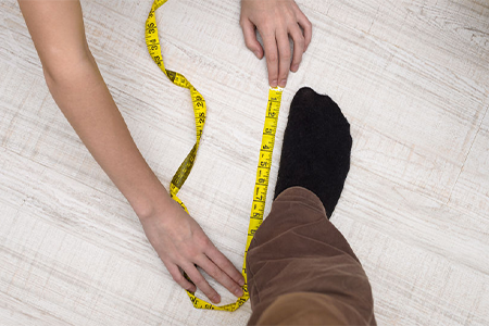 measure-women's-foot-size-from-home