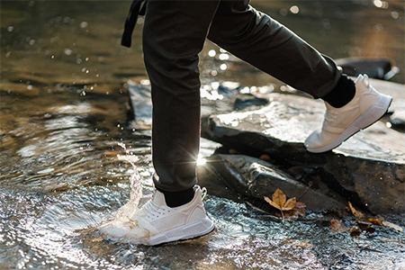best-waterproof-sneakers-for-women