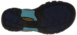 women's-sandals-with-good-traction