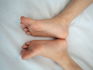 women-with-small-feet