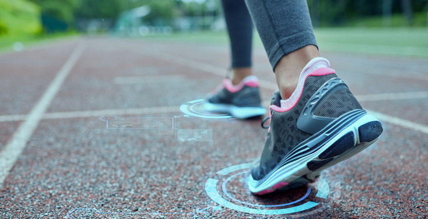 best-sneakers-for-narrow-feet