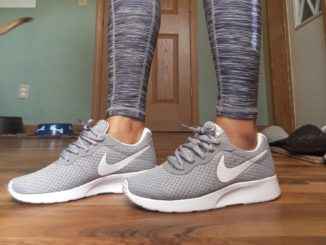 extra-wide-Nike-shoes-for-women
